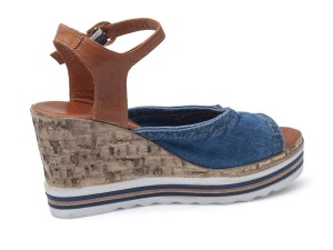 d16a47e34b83 ... Riflové dámske sandále Lanqier 44C-247